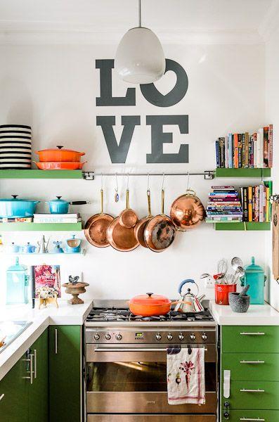 kuchenka gazowa i zielona kuchnia