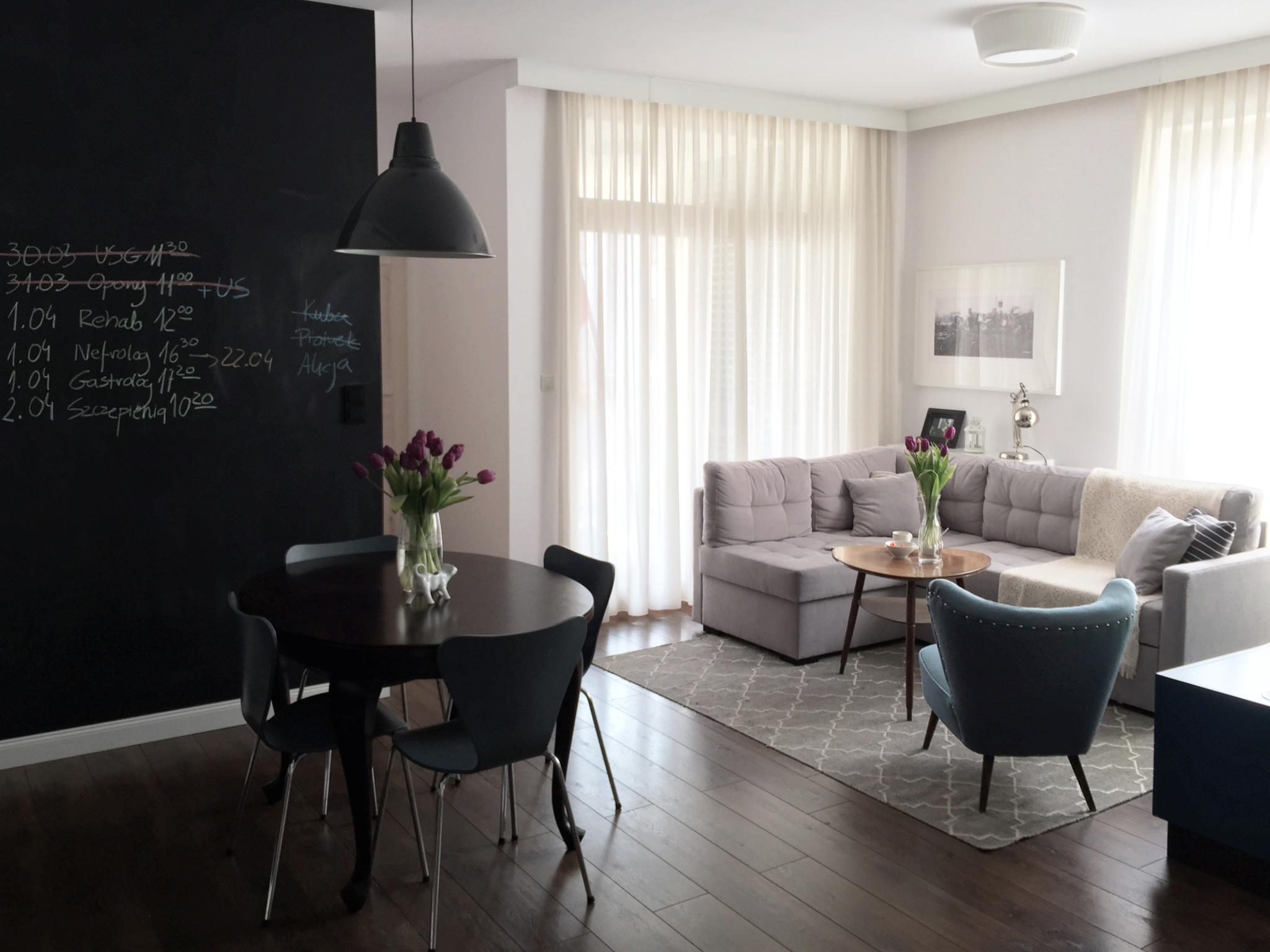Otwarta przestrzeń na salon i jadalnię w stylu skandynawskim