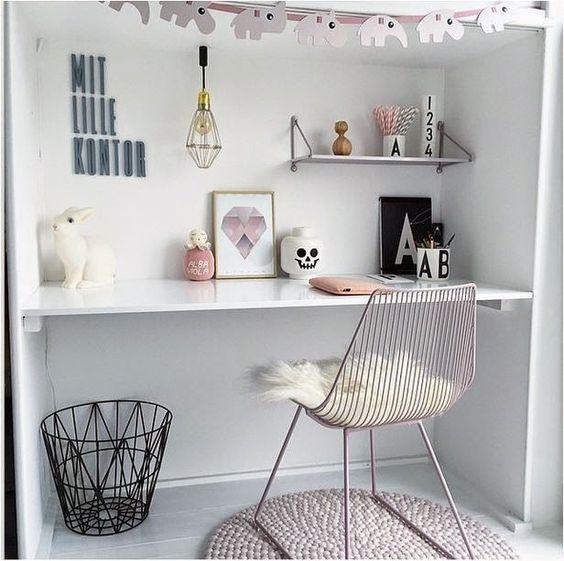 biurko dziecięce i krzesło druciak