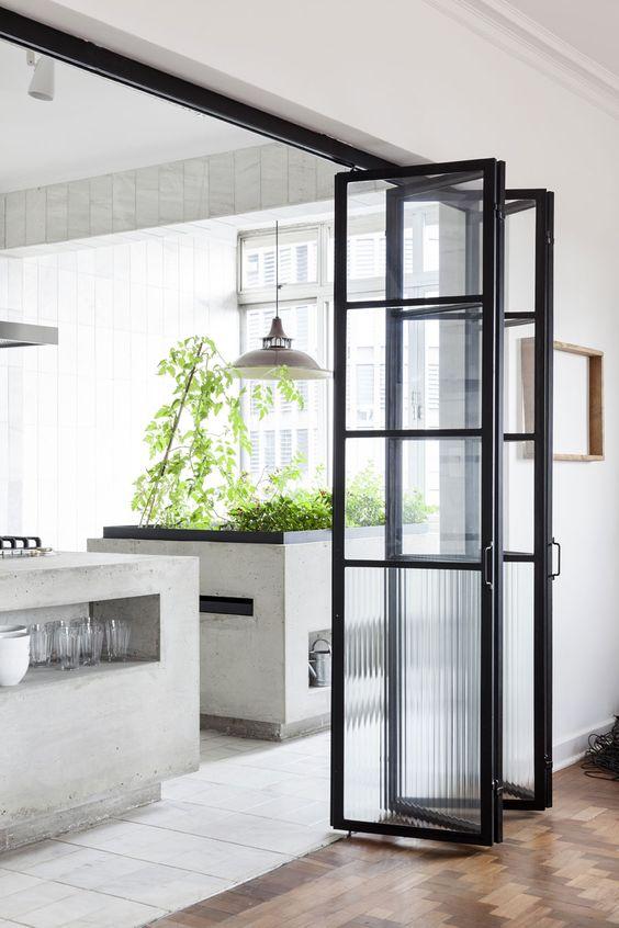 Inspiracje – ściana z metalu i szkła
